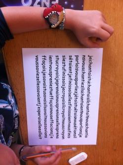 séparer(trait crayon ou ciseaux) le pronom du verbe